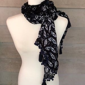 GORGEOUS Blue and White Scarf or Wrap!